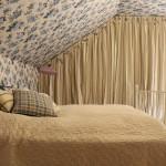 Спальная в загородном доме. Текстиль: Лебедева Екатерина